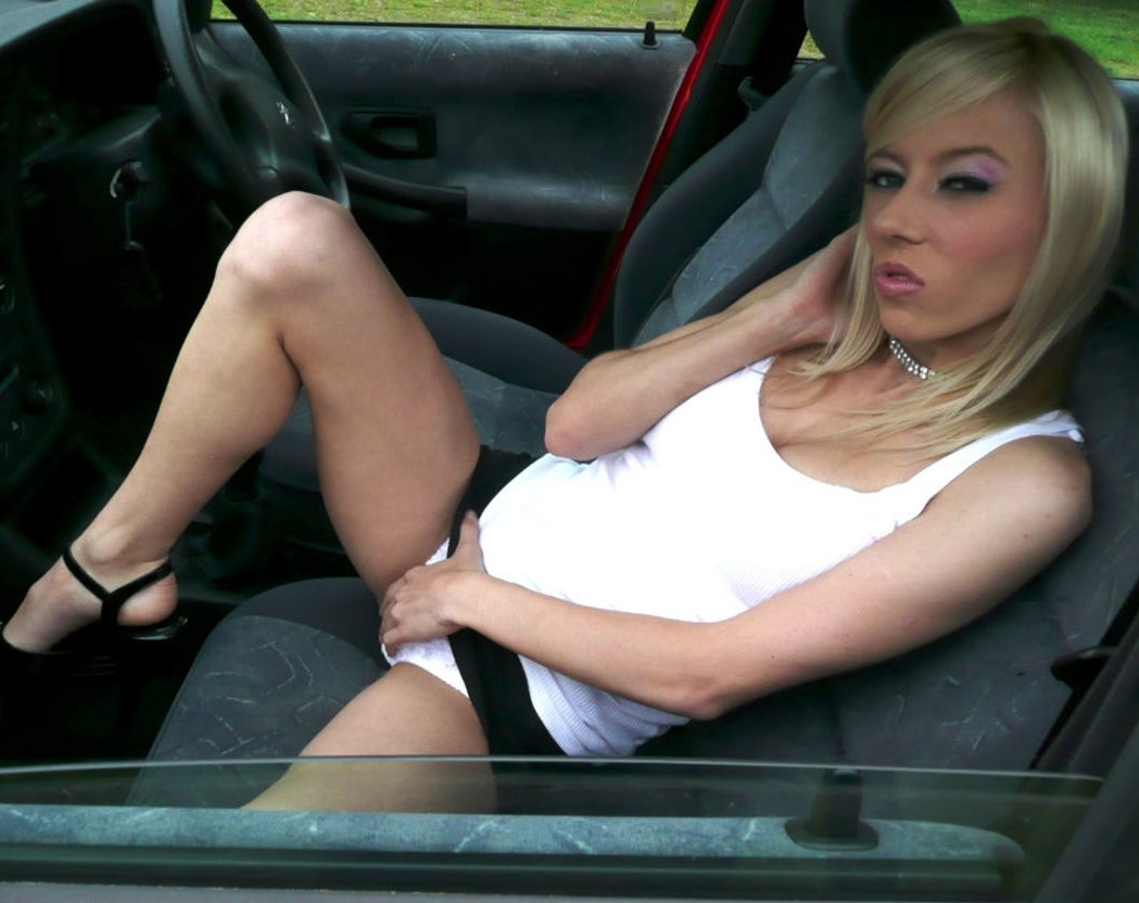 Amateur outdoor public car sex